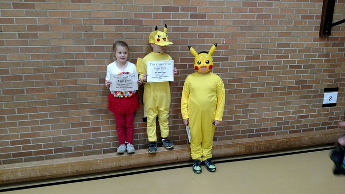 2nd and 3rd grade students. Trick and Trot winners.